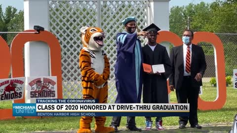 Benton Harbor graduates honored during drive-thru ceremony