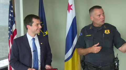 South Bend Mayor, Police Chief address police department recruiting